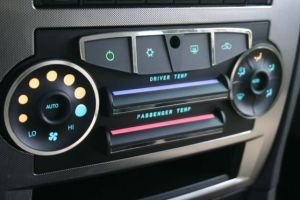 Auto airconditioning dials