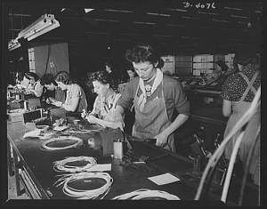 Library of Congress Photos women assembly line workers 8b02906r